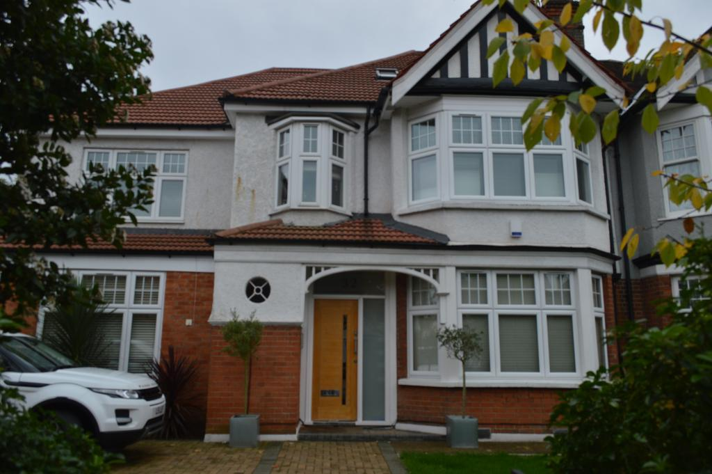 Manor View, Finchley, London, N3 2SS