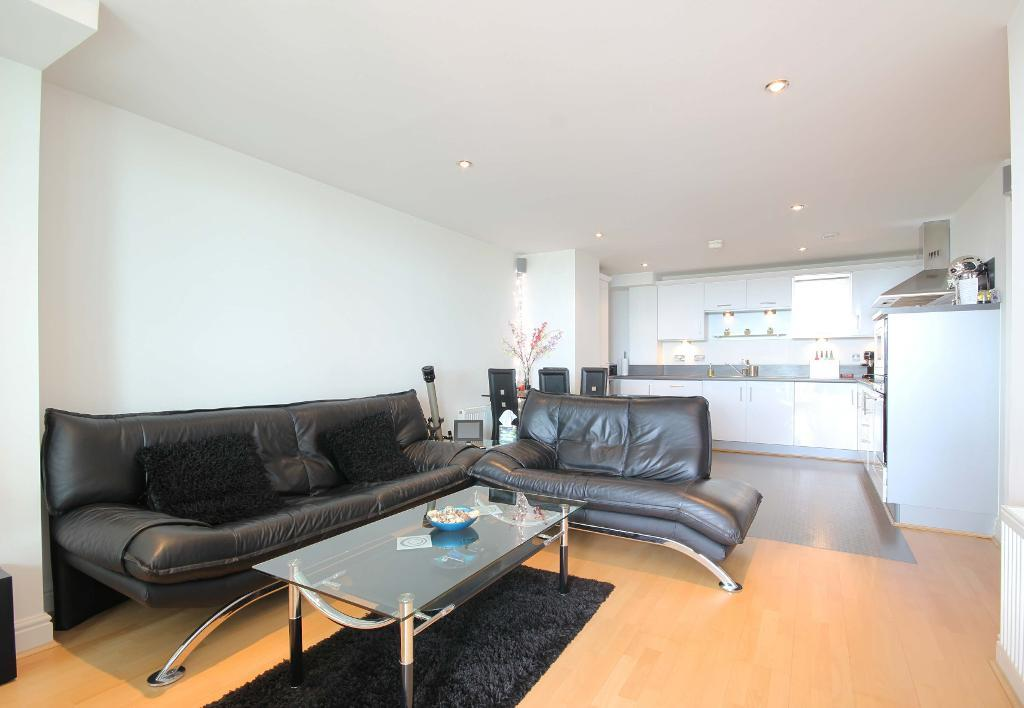 Kings Way, North Finchley, London, London, N12 0EN