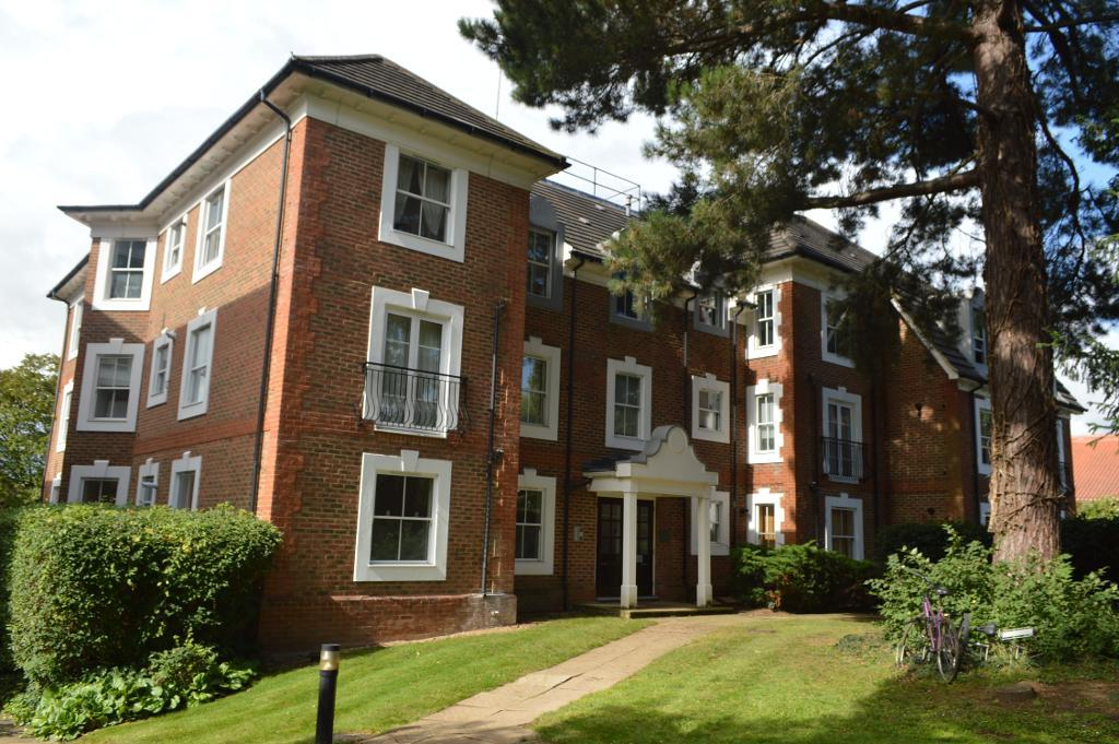 Woodside Avenue, Woodside park, North Finchley, London, N12 8LS