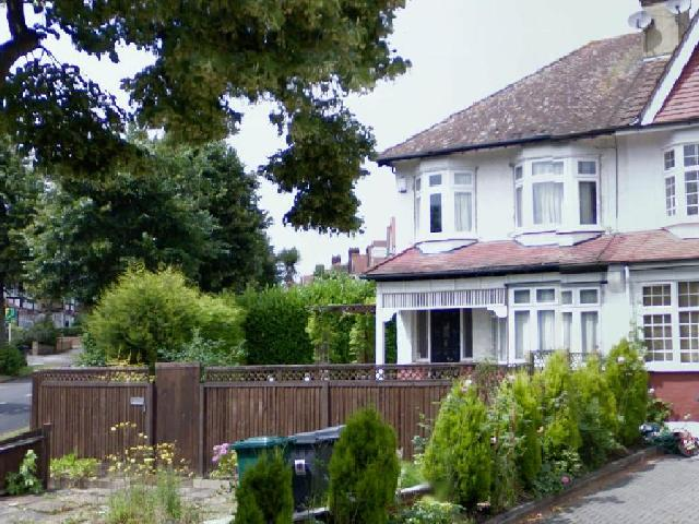 Friary Road, North Finchley, London, N12 9HX