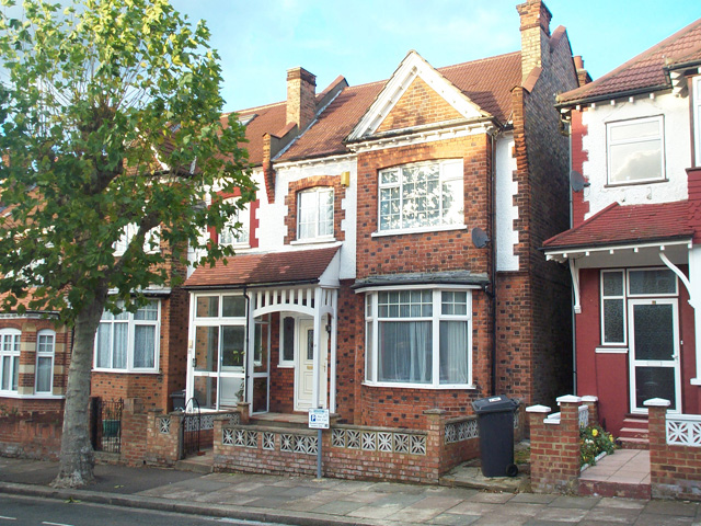 Cornwall Avenue, Finchley Central, London, N3 1LG